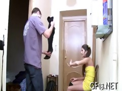 she is plays with large wang of guy
