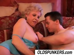 jewel is a hawt cougar who loves to fuck